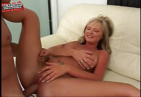 sexy mama met dikke bloemkolen heeft van haar hobby haar beroep gemaakt
