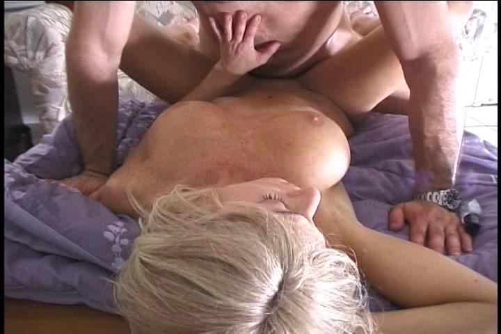 Gratis amat sex met sexy blonde milf